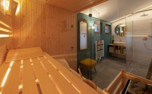 Additional bathroom on the upper floor with sauna